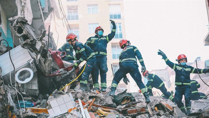 9 killed in Georgia building collapse